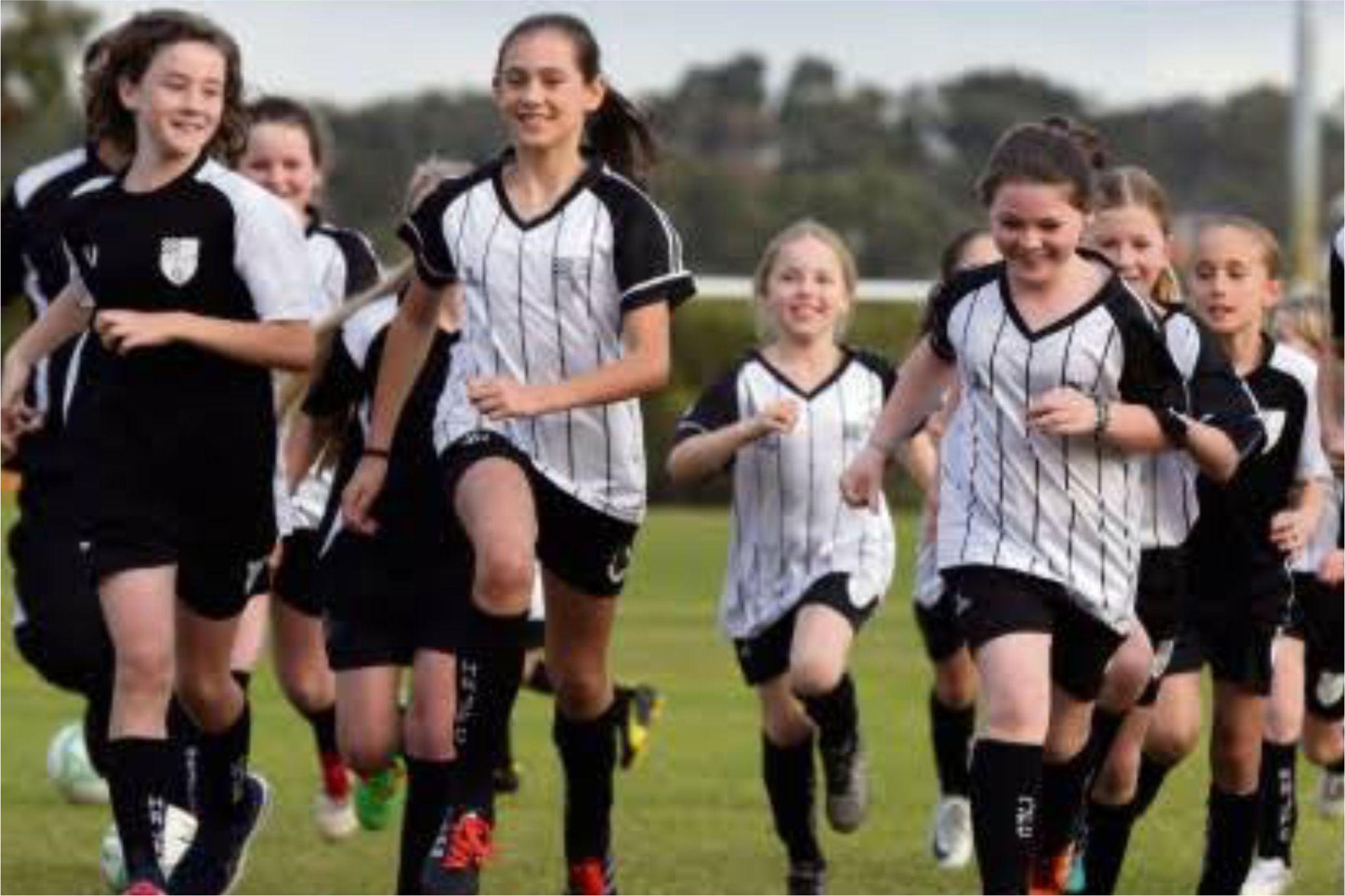 Girls_running_clip